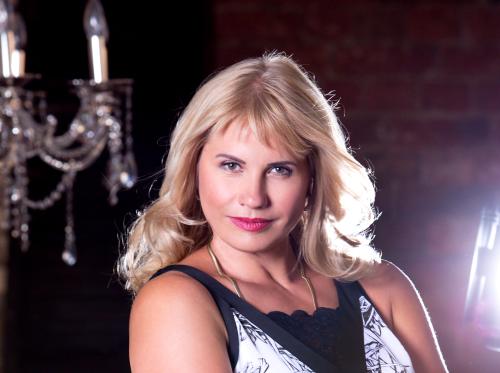 Anna Toneeva, mezzosopran